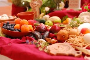 Lararium ple a vessar de productes gastronòmics (Kuan Um!)